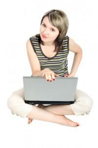 Az online kommunikáció megkönnyíti az életünk.